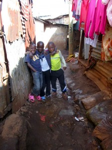 children-in-Kenyan-slum-morsel-of-faith-ministries